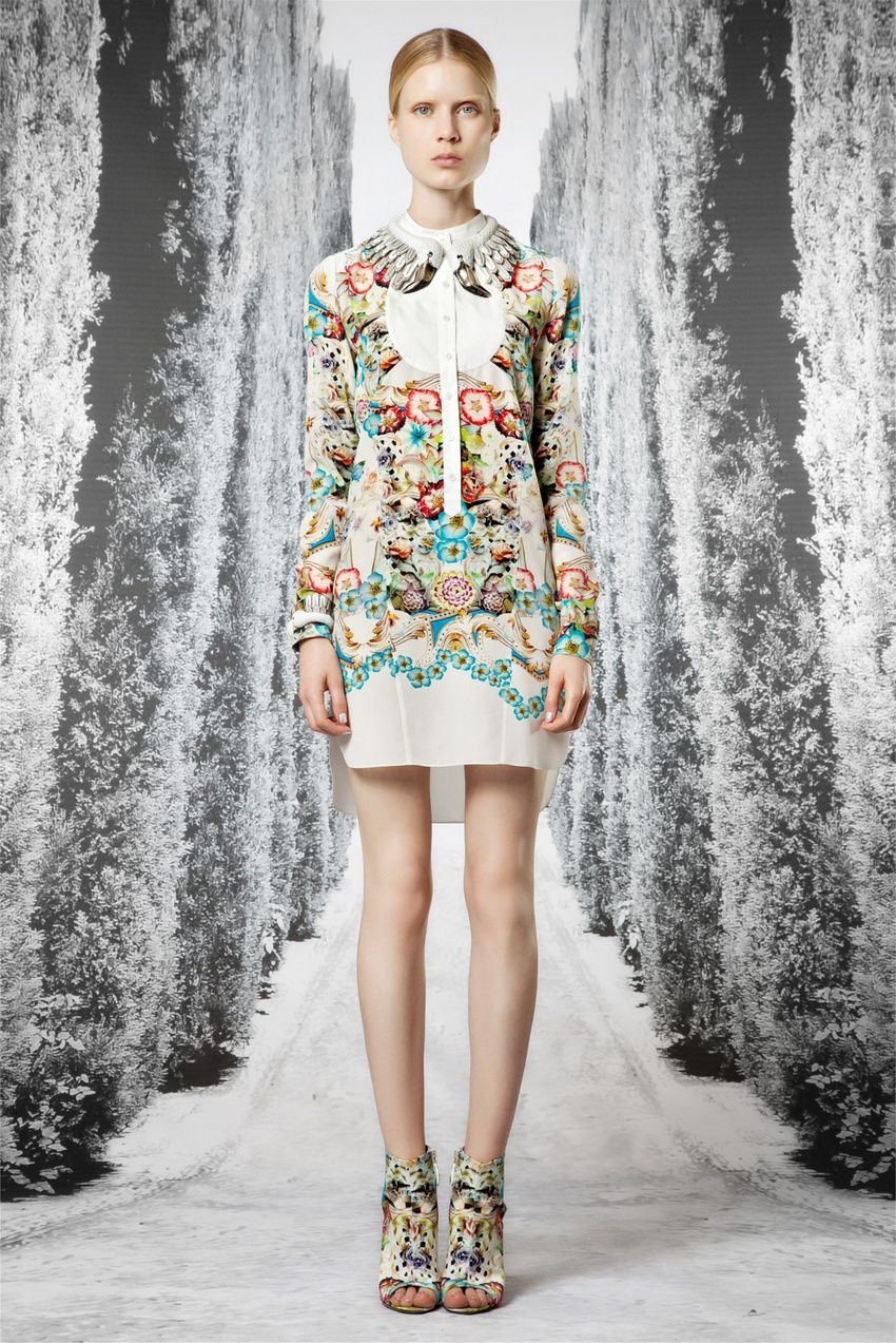 Long sleeve print dress with fab necklace by roberto cavali