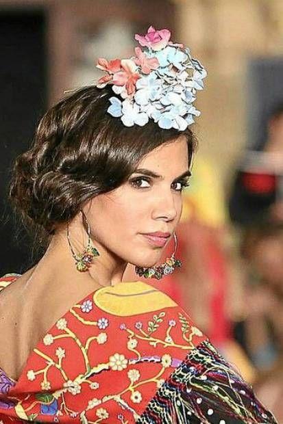 Miradas ganadoras con peinados de feria 2021 Galería de cortes de pelo Ideas - peinado pelo corto flamenca - Pesquisa Google