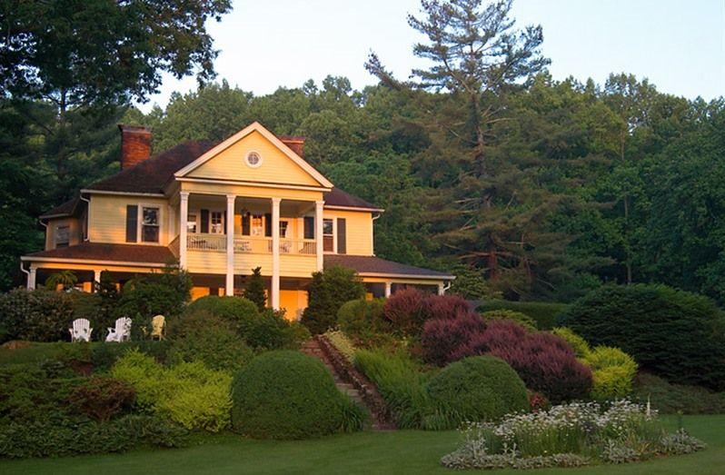Yellow House On Plott Creek In Waynesville, North Carolina | Bu0026B Rental  Http:/