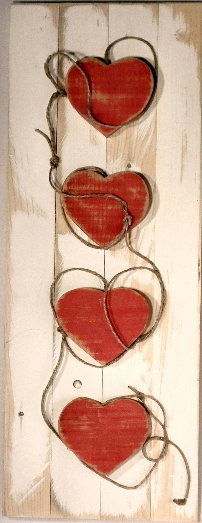 legno e spago per il fuoriporta romantico
