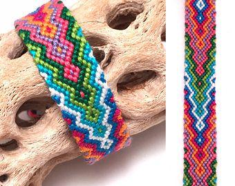 240b5a194b6f Friendship bracelet - greek wave - wide - embroidery floss - tidal ...