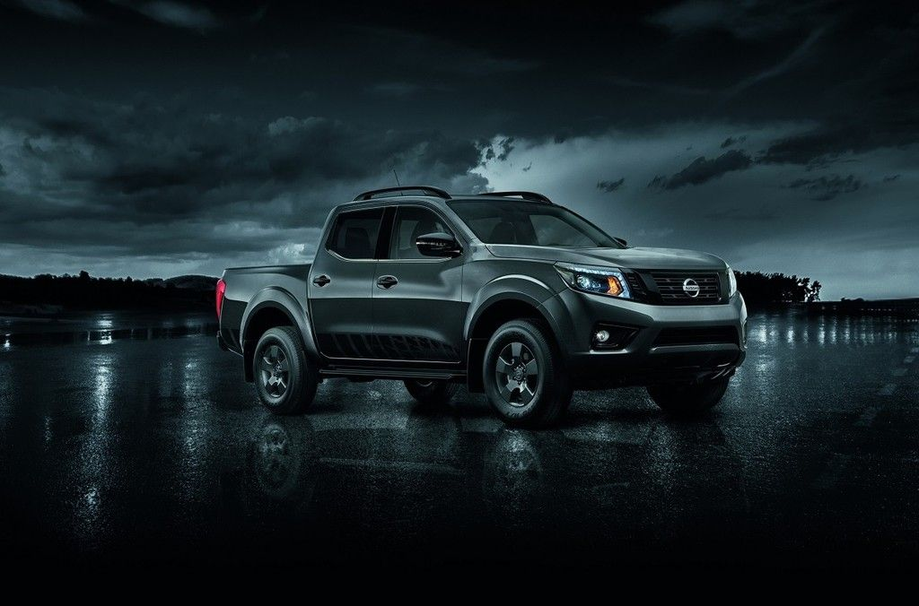 Nissan Np300 Frontier Le Midnight Edition La Pickup Mas Cautivadora De La Marca Ya Esta En Mexico Nissan Np300 Nissan Automoviles