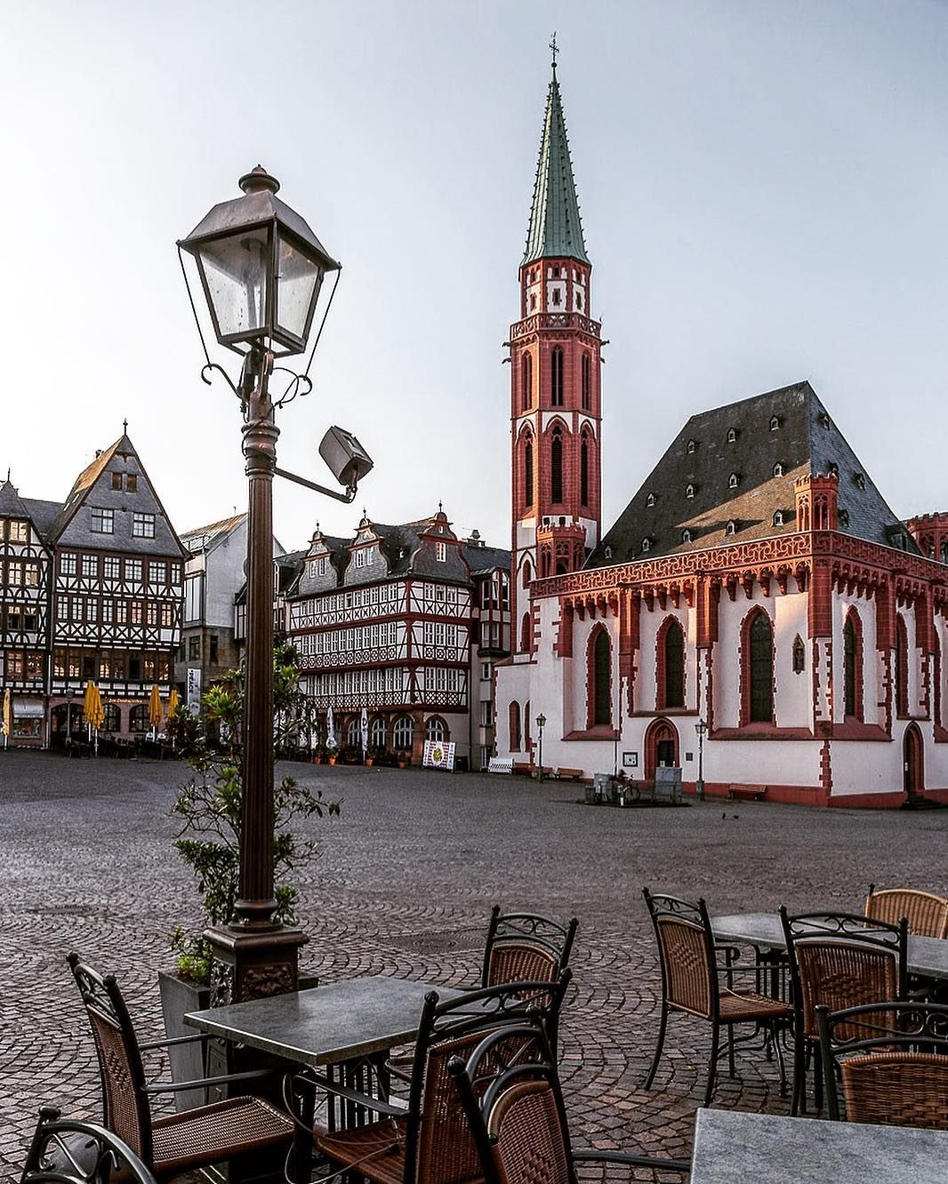 Frankfurt Germany The Old St Nicholas Church German Alte Nikolaikirche At Romerberg Places To Travel Travel Germany Photography