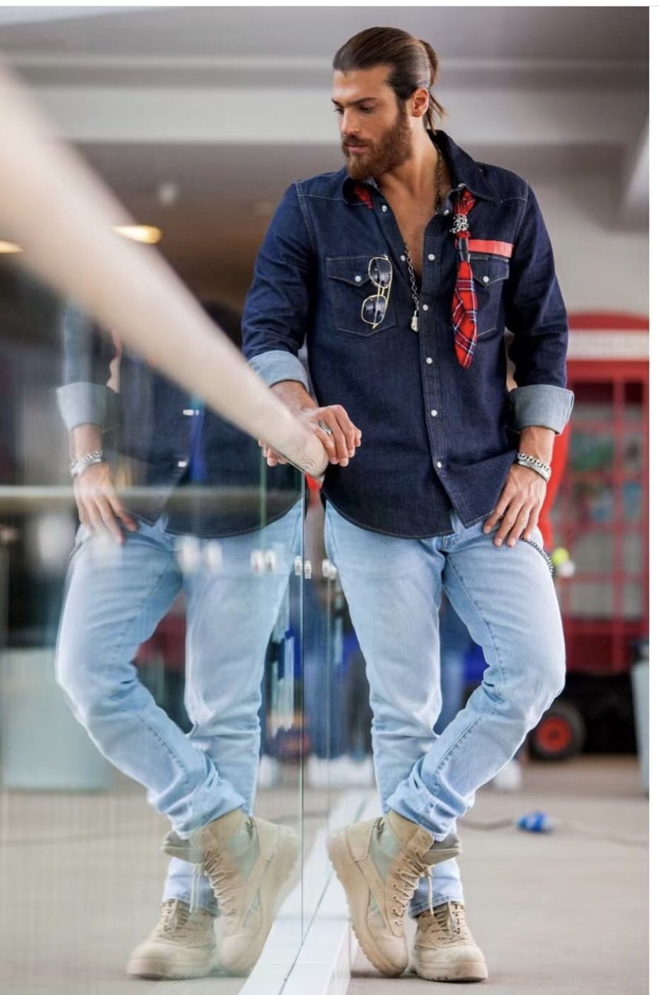 canyaman looking #Gabi lousy he #strikeapose in this