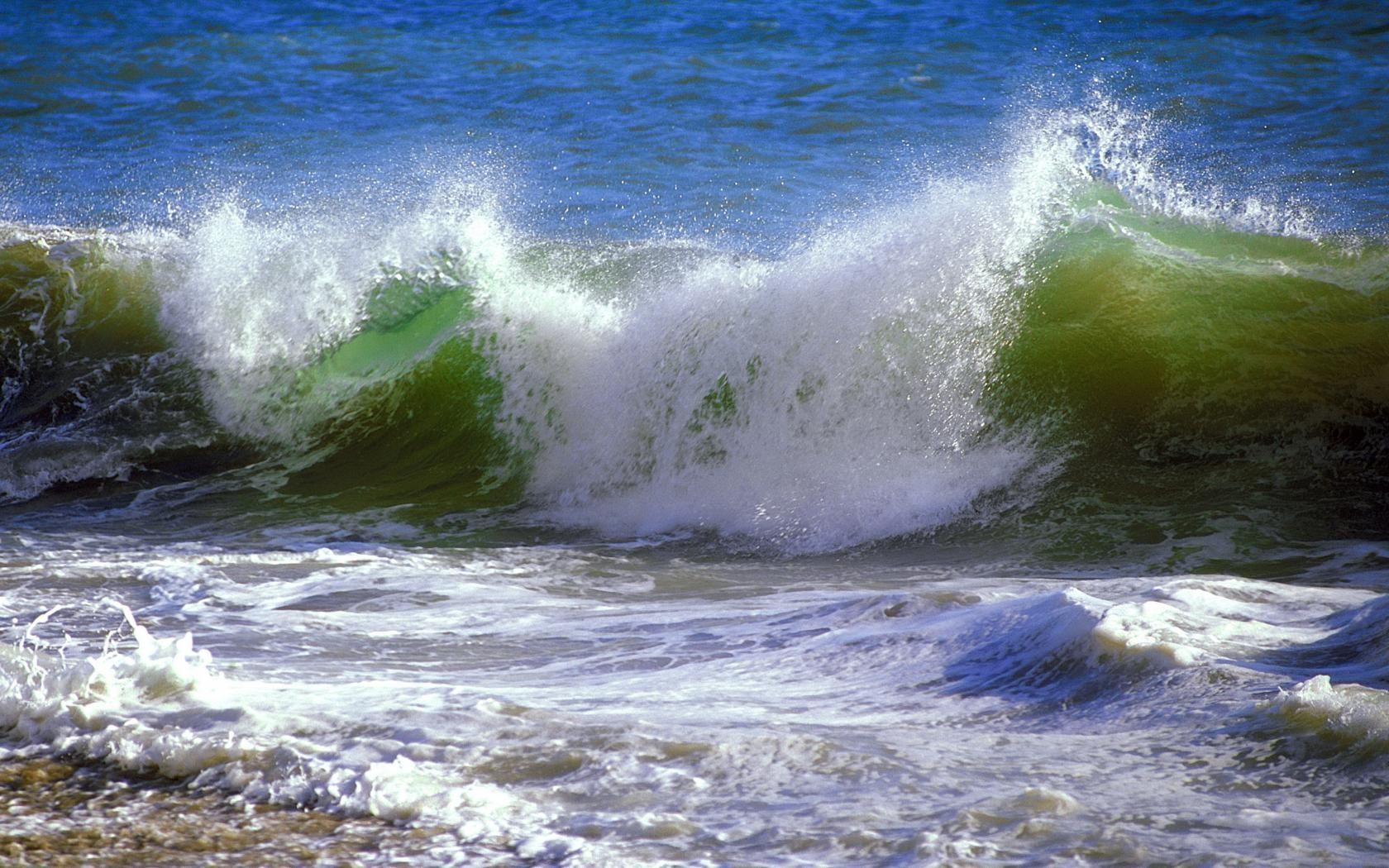 Море плещет картинка