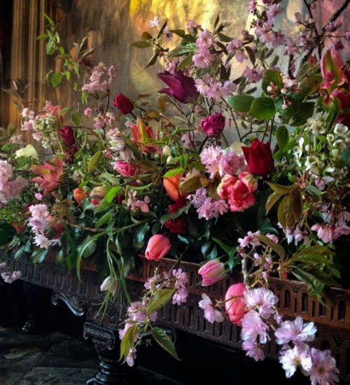 Juliet Glaves is a wonderful florist who is happiest arranging - vorh nge f r k chenfenster
