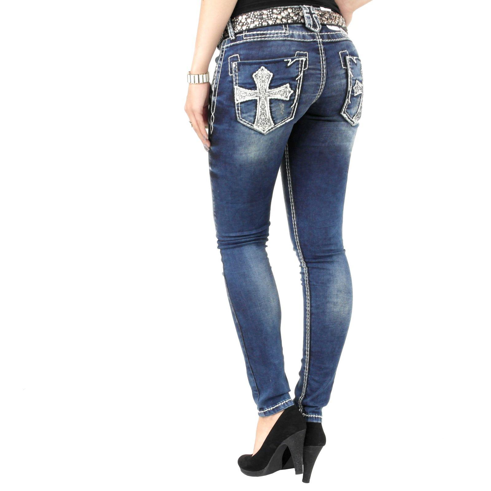 Angesagte Damen Jeanshose der Marke Cipo und Baxx in blau mit vielen  Verzierungen wie weiße Nähte 6df3a86ed4