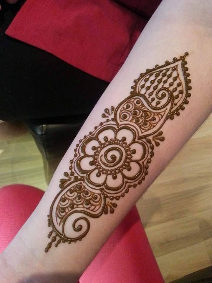 Henna Mehndi Tattoo Designs Idea For Wrist: Simple Mehndi Design For Hands