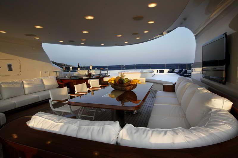Mega Yacht Interior With Fruit Basket With Images Luxury Yacht