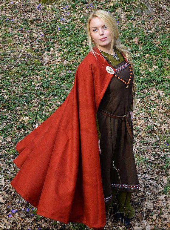 Mantle of Sigrid Red Viking / Medieval Circle Cloak