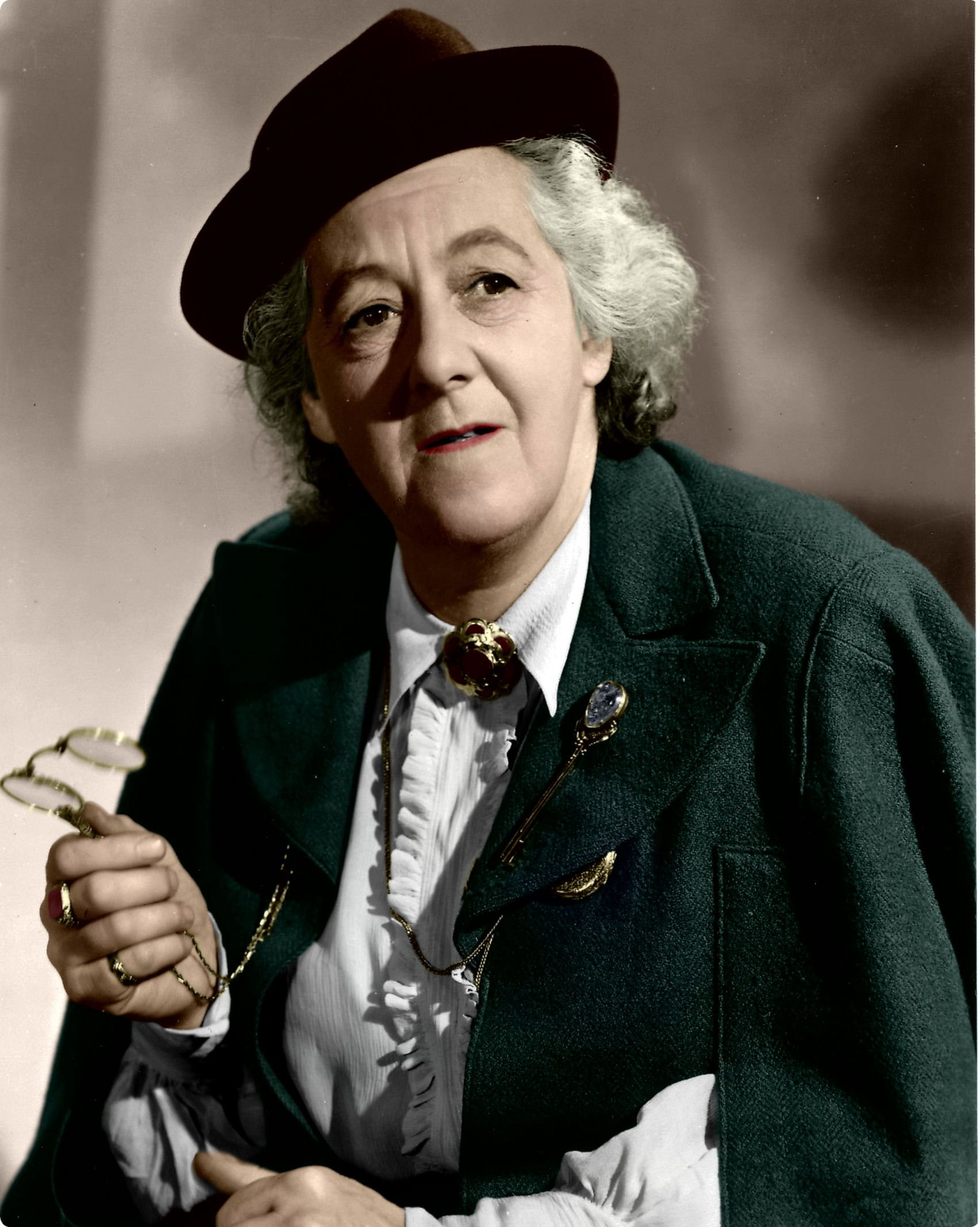 picture Margaret Rutherford