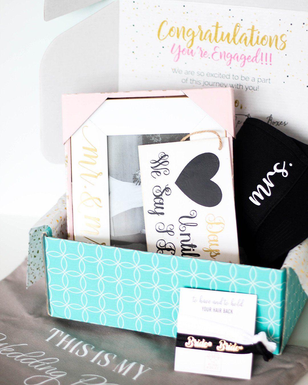 The Best Bridal Subscription Boxes For 2021 2022 Brides Subscription Box Review The Ring Box Bride Subscription Box Family Wedding Photos The Wedding Date