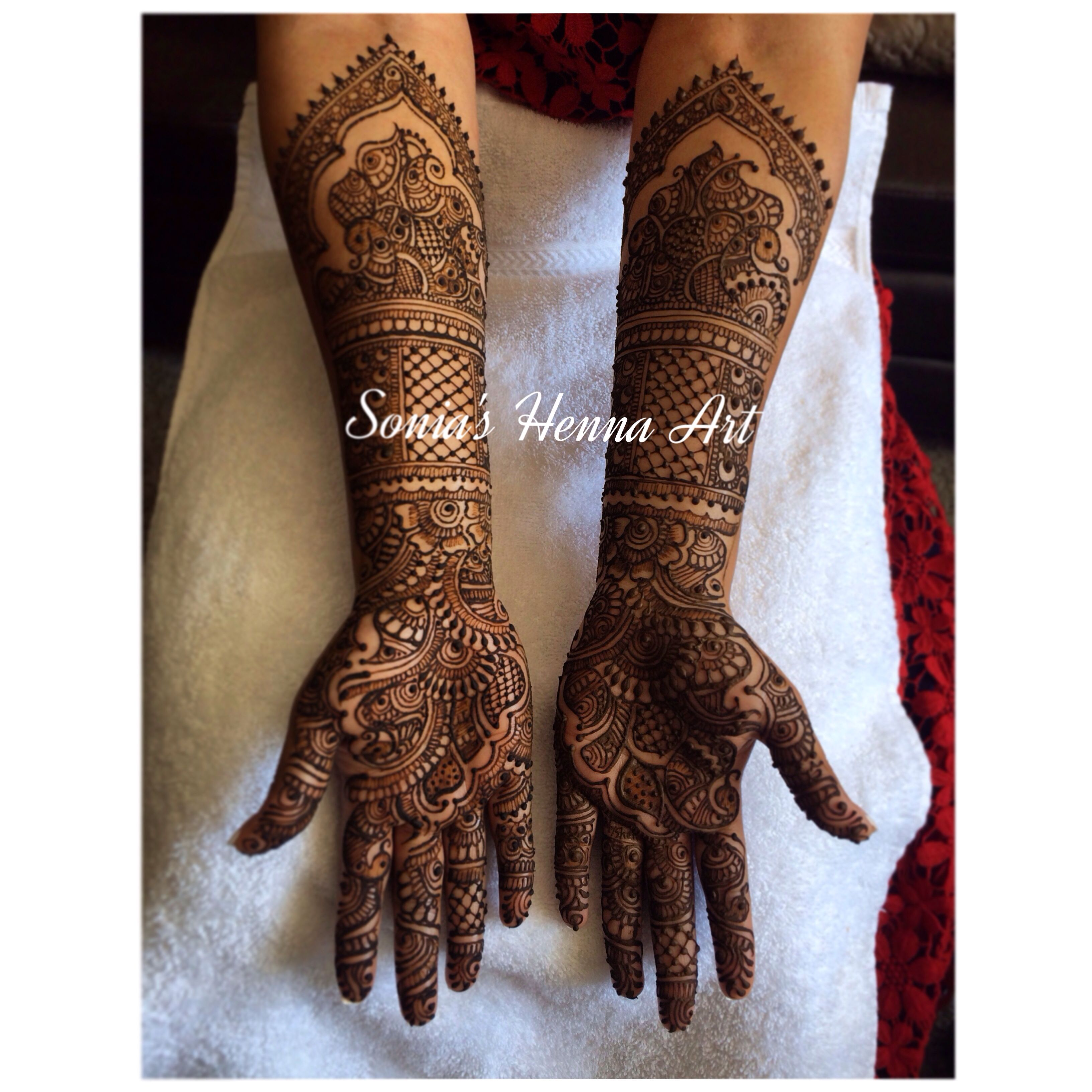 Sonia's Henna Art full traditional indian Mehndi design in Toronto Artist in Toronto Henna art Mehndi design