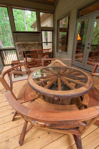 Wagon Wheel Furniture Is Always Fun And Is A Conversation Piece. Table And  4 Benches