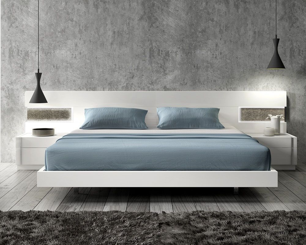 Lacquered Graceful Wood Luxury Platform Bed With Long Panels