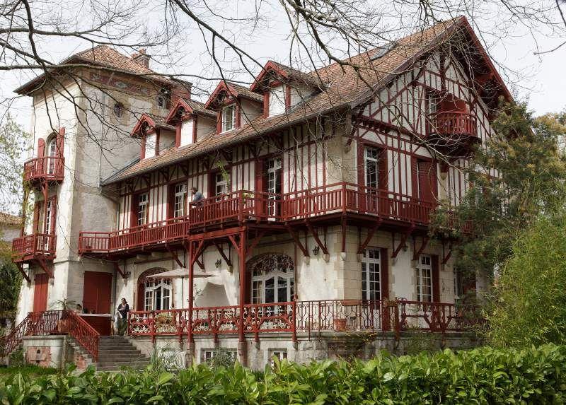 Maison du pays basque maisons basques pinterest pays - Maison close pays basque ...