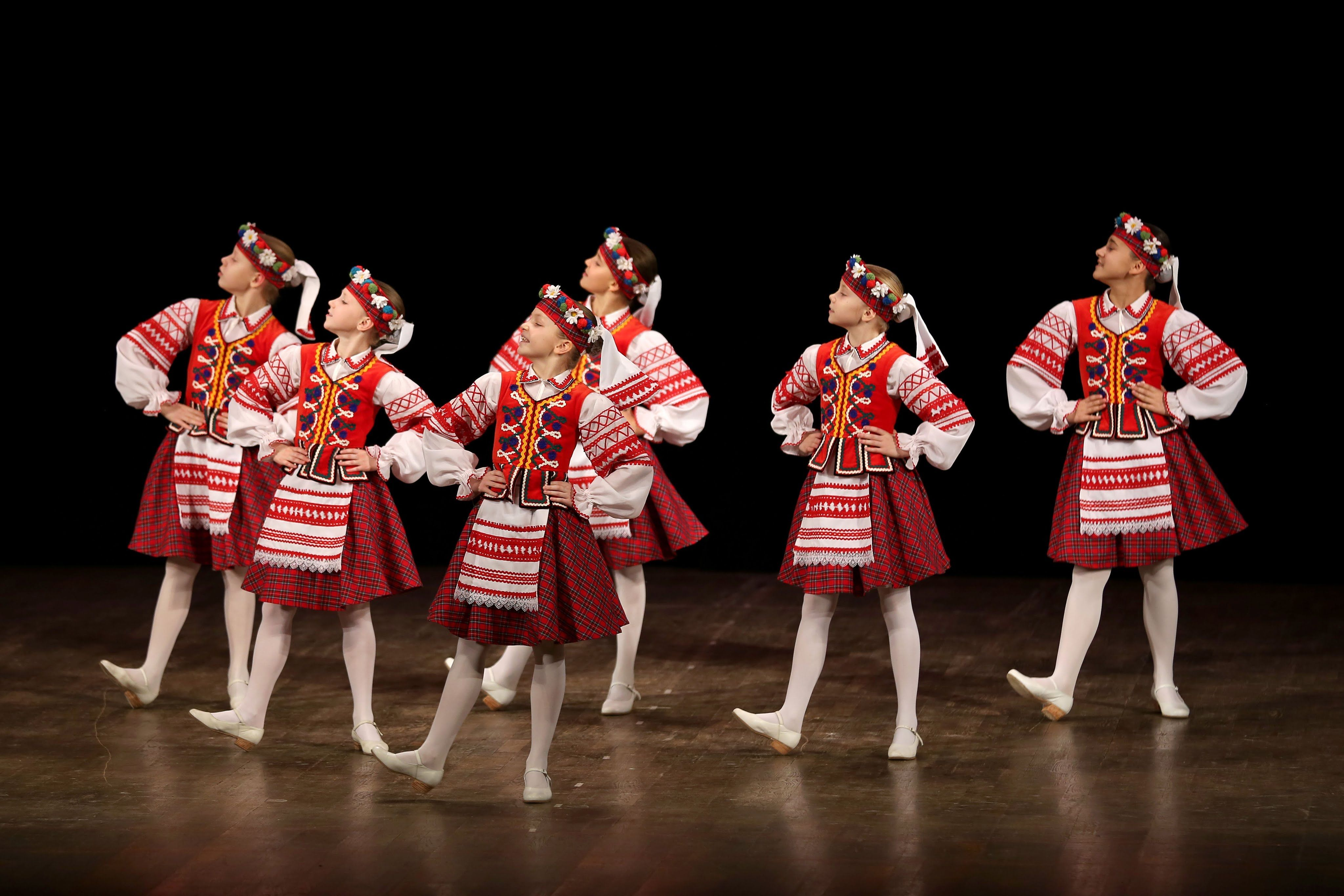 Картинка белорусский танец