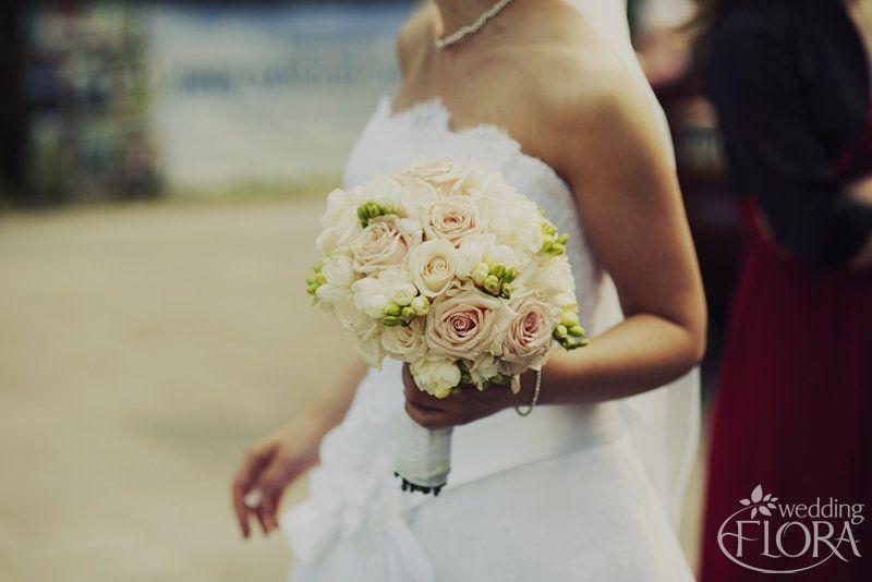 Bukiet Slubny Flora Wedding Dekoracje I Bukiety Slubne Wroclaw Kwiaty Do Slubu Wroclaw One Shoulder Wedding Dress Strapless Wedding Dress Wedding