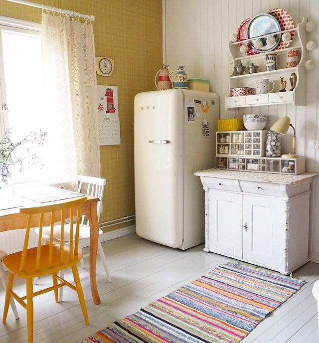Kivaa uutta viikkoa kaikille  Have a great new week  #mykitchen#keittiö#kök#kitchen#ragrug#räsymatto#vintageinterior#interior