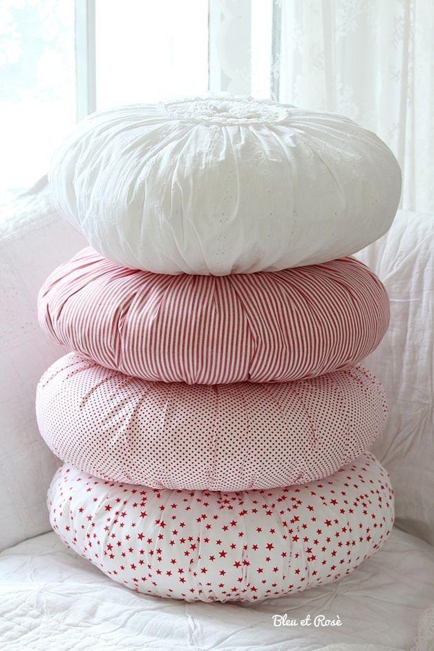 Rundes- Kissen mit S T R E I F E N à 29,90 | Textiles | Pinterest ...