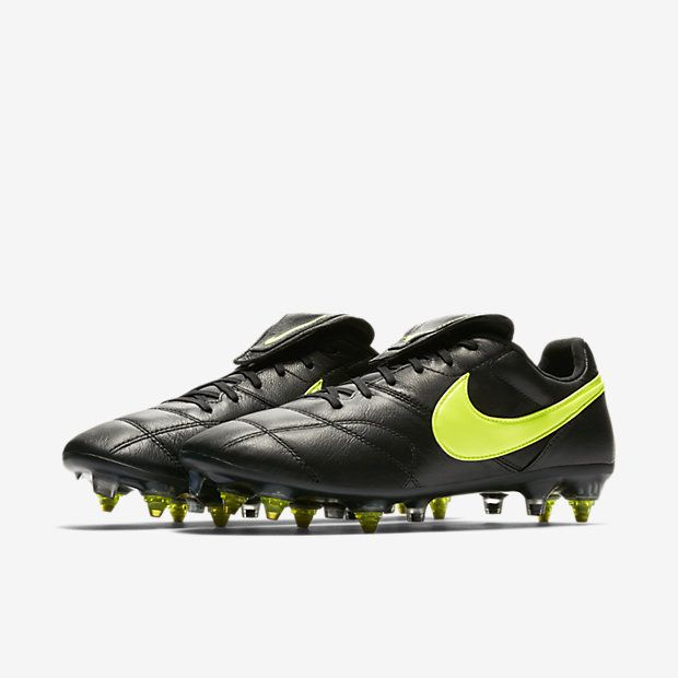 the best attitude eadd0 2af40 Nike Premier II Anti-Clog Traction SG-PRO Soft-Ground Football Boot