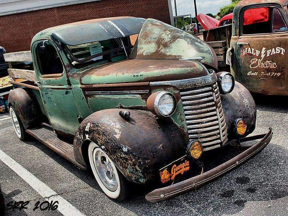 Pin by Justin Pierson on Art deco Chevy trucks 37-46 | Pinterest ...