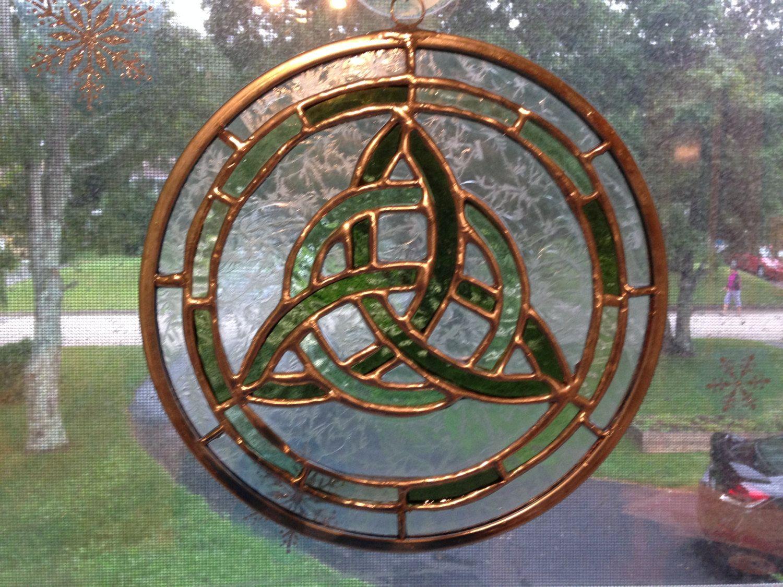 Celtic knot circle celtic knots change colour and glass bottle
