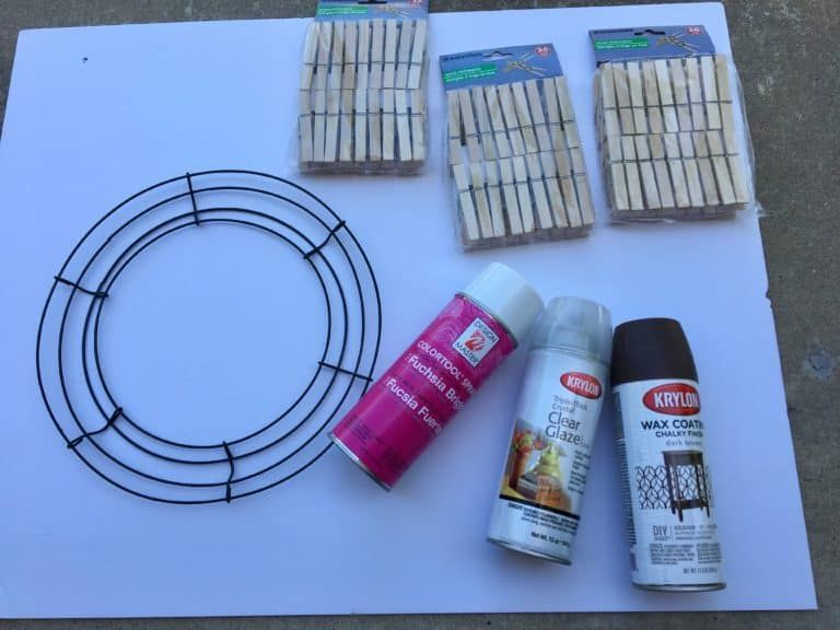 Photo of how to make a clothespin wreath