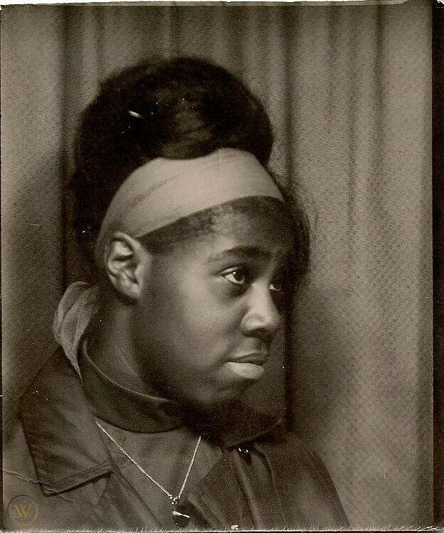 ANNOYED GIRL COOL HAIR AFRICAN AMERICAN BLACK FASHION VINTAGE PHOTOBOOTH PHOTO | #2005886705 #africanamericanhair