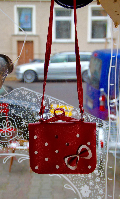 Vintage Original Soviet Red Leather Handbag(Childrenbag) with Bow from the USSR(Ukraine-Snischne) - 1989 - Made in USSR-In Perfect Condition von SovietGallery auf Etsy