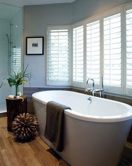 die besten 25 zeitgen ssische badezimmer ideen auf pinterest duschnische duschregale und. Black Bedroom Furniture Sets. Home Design Ideas