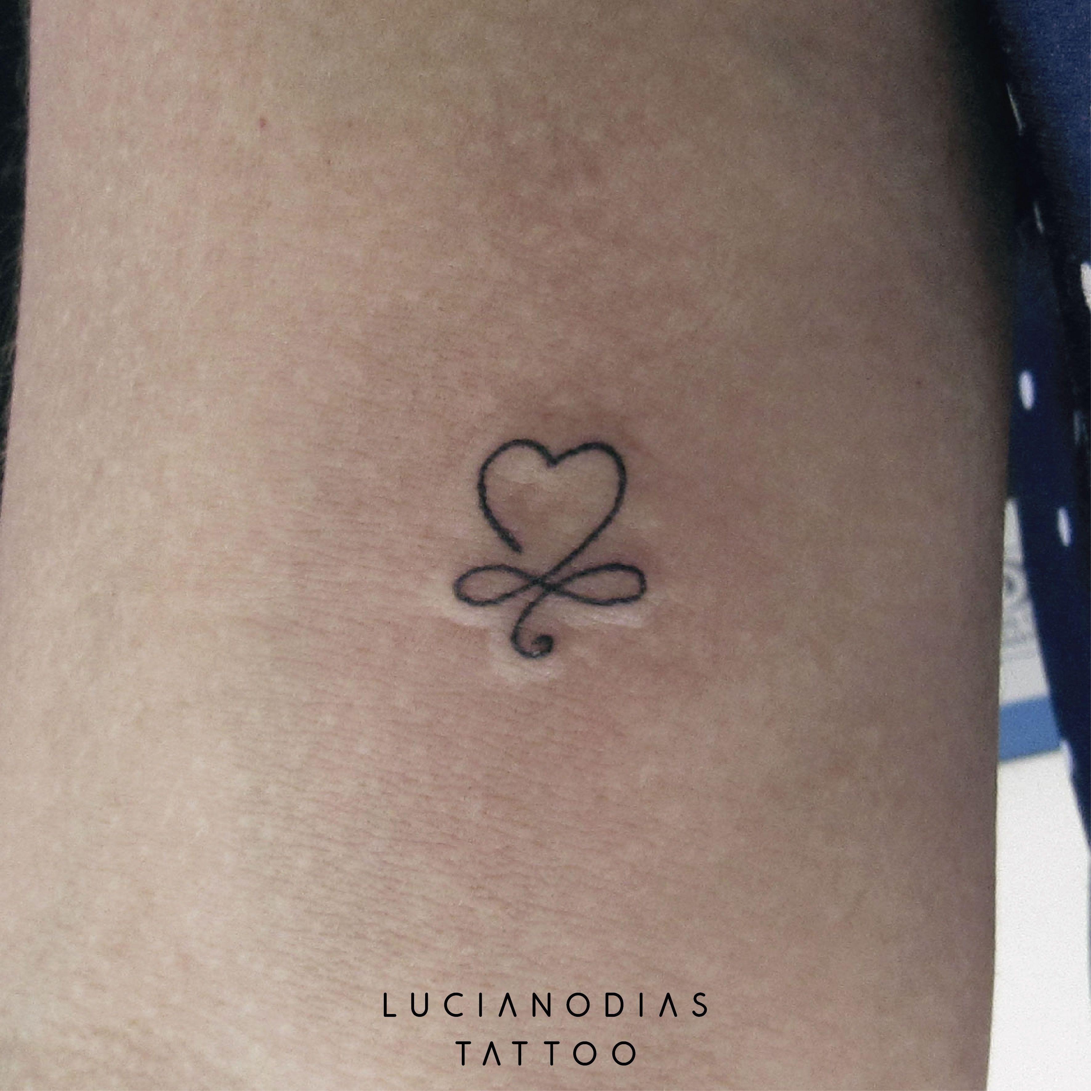 Minimal heart with infinity symbol mini tattoo made by me at the minimal heart with infinity symbol mini tattoo made by me at the black box studio biocorpaavc Image collections