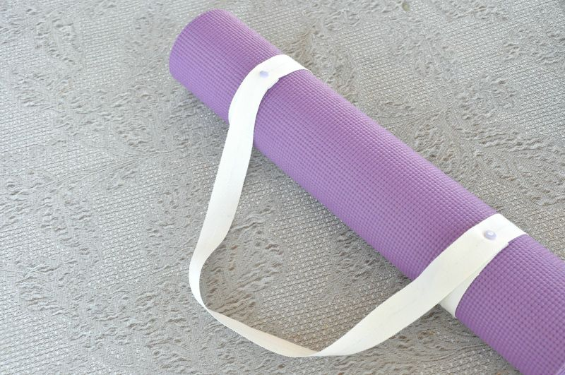 DIY: Cinghia porta-tappetino per lo yoga