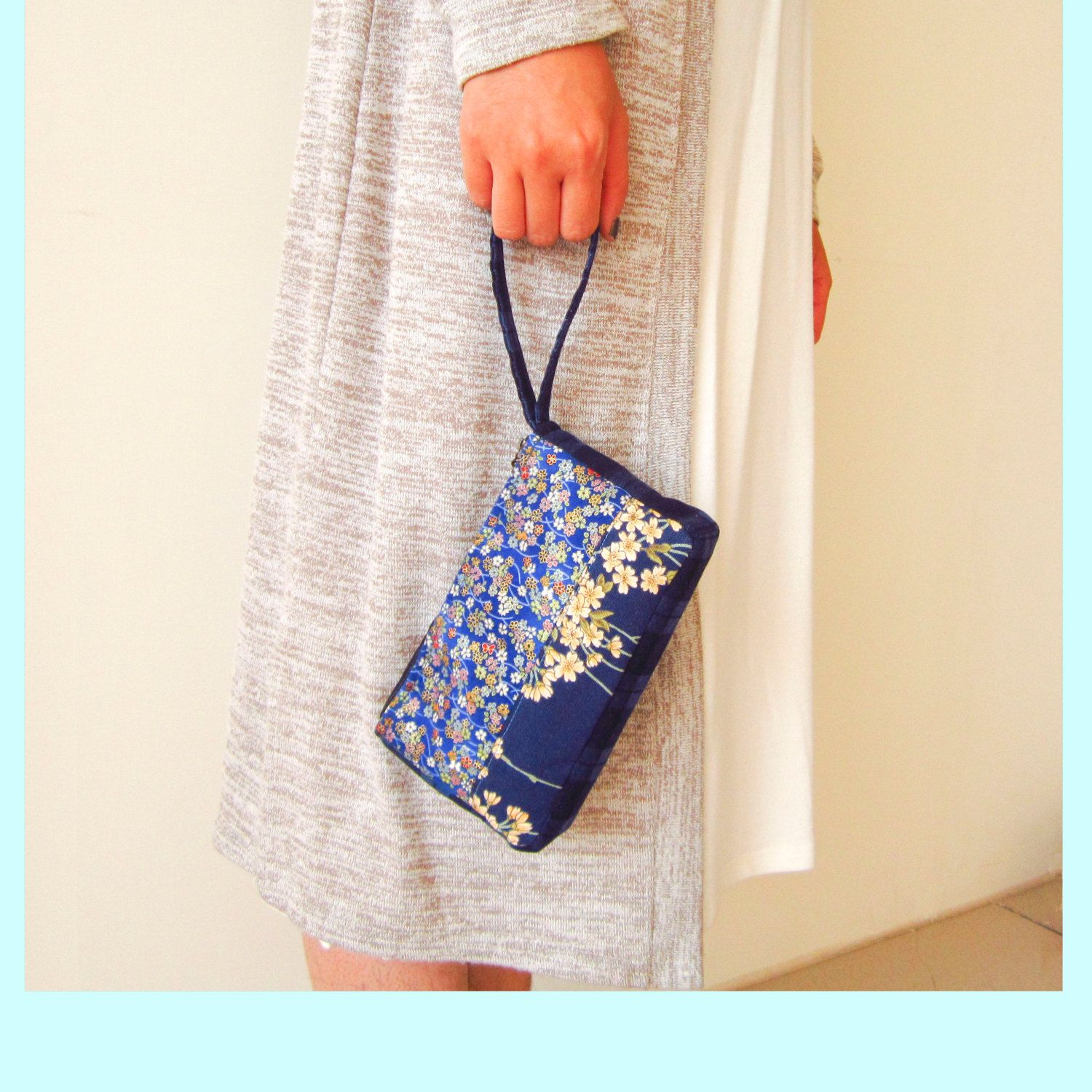 Clutch, Cosmetic Bag, toiletry bag, blue floral bag, portamonete, pouch, floral, simple patchwork by berriesDot on Etsy