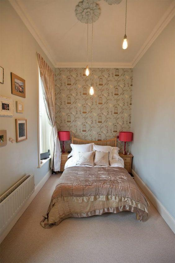 kleines schlafzimmer einrichten wandtapete rankenmuster tagesdecke