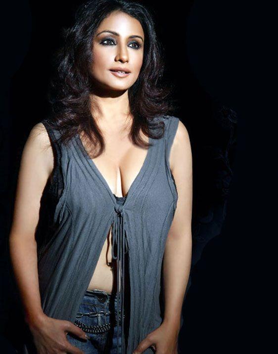 Sexy photos of divya dutta