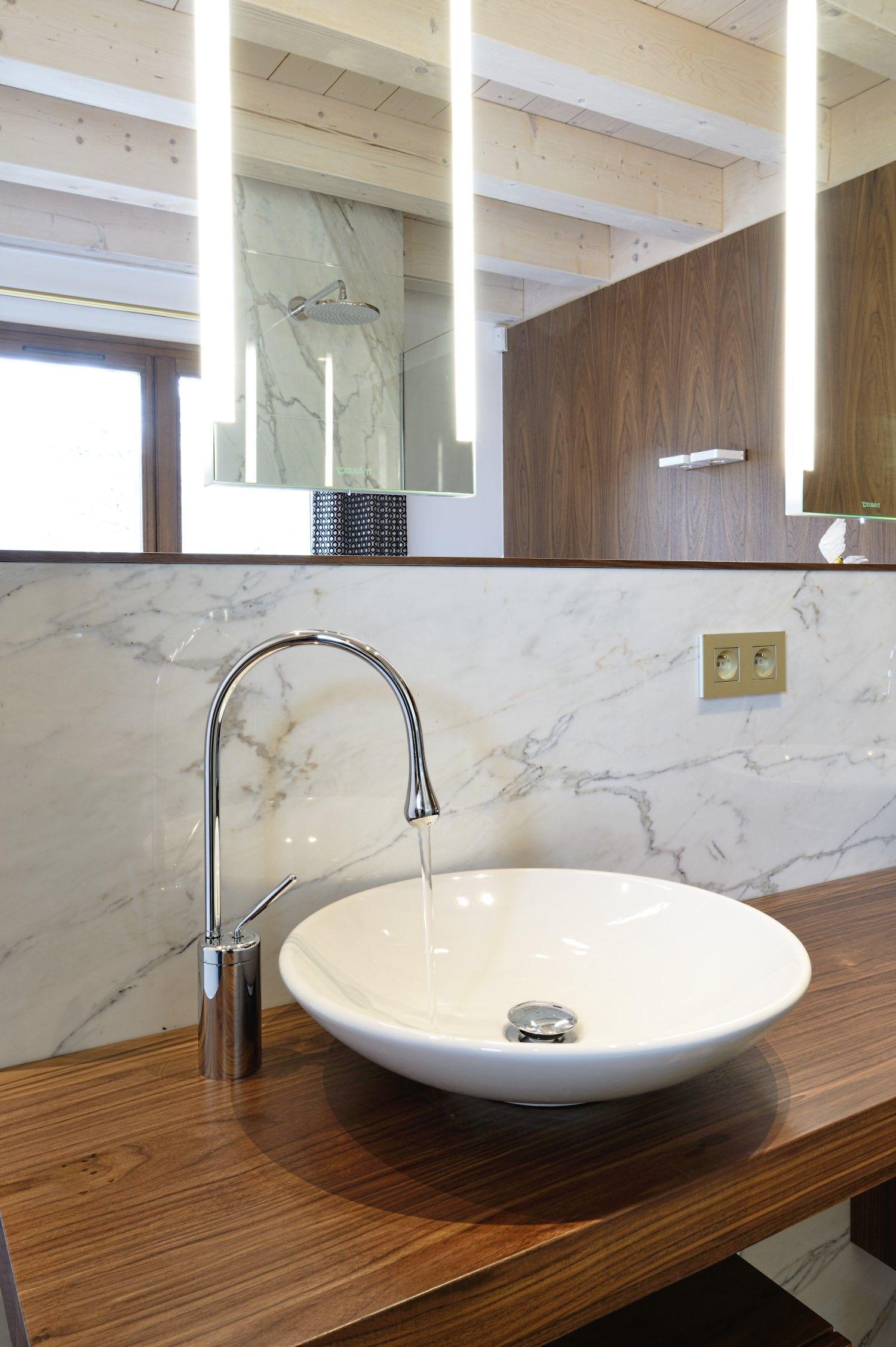 Du Marbre Blanc Pour Votre Plan De Vasque Assurez Une Decoration