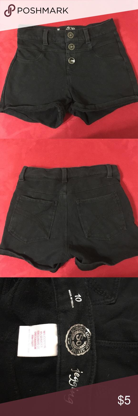 Girls size 10 black jeggin shorts Girls size 10 black jeggin shorts SO Bottoms Shorts