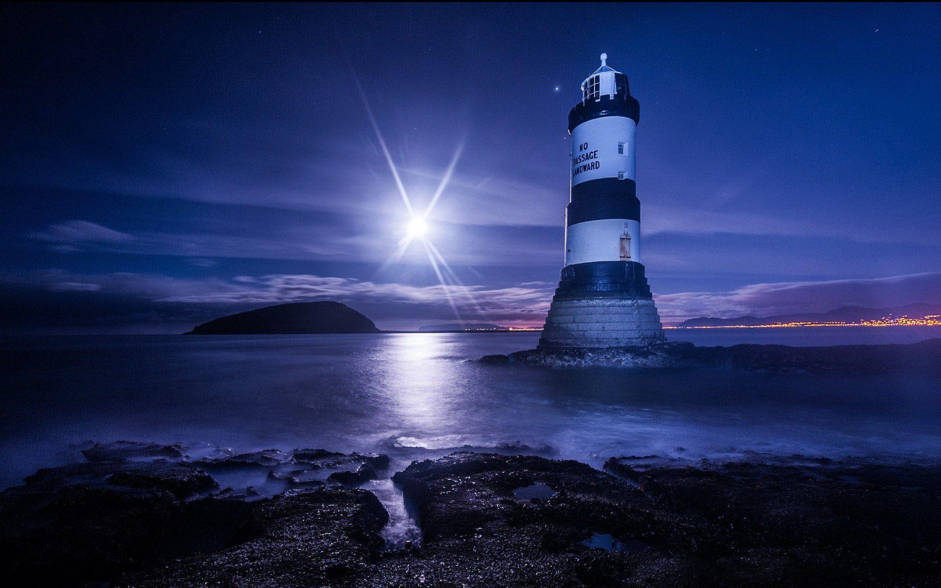 Beautiful Lighthouses At Night Beautiful ligh | Lighthouse ...