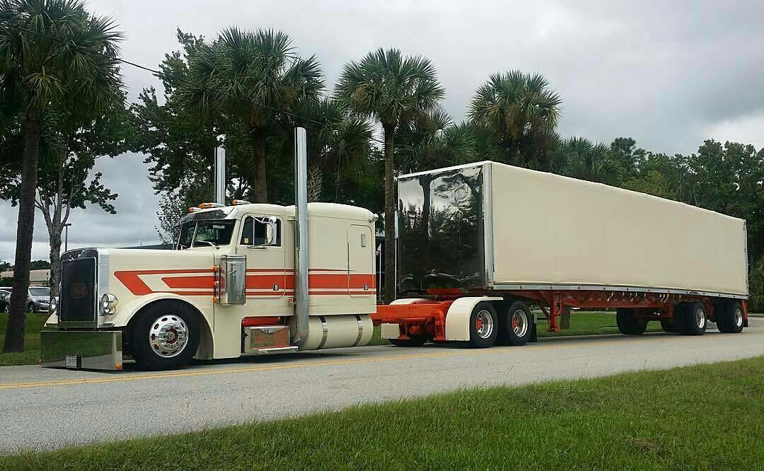 Semitrckn Peterbilt Custom 379 With Matchin Curtain Side Big Trucks Kenworth Trucks Peterbilt