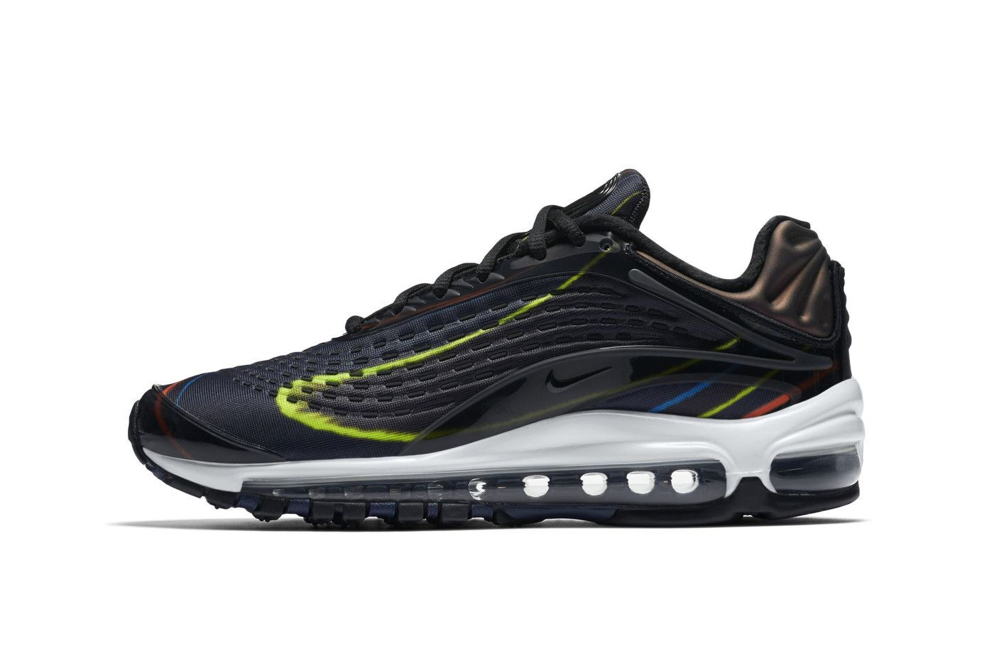 Nike S Air Max Deluxe Gets A Black Midnight Navy Silver Remix