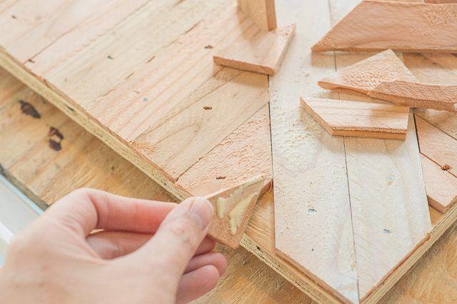 How to Create Custom Wall Art Using Wood #reclaimedwoodwallart