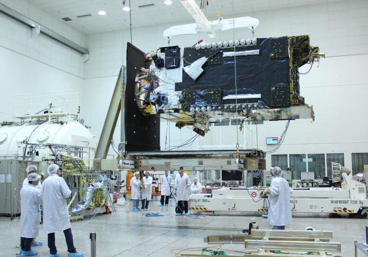 Facebook pegs Israeli satellite to provide African Internet http://dlvr.it/CMgT3N #JPost #Technology