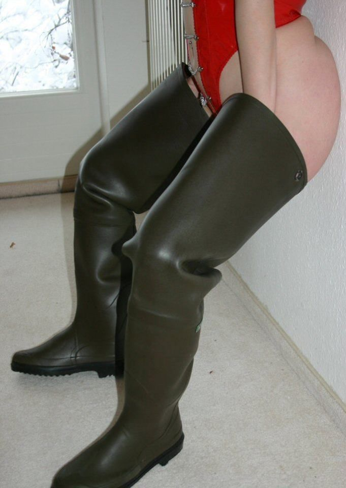 Pin By Muddy Monsters On Sexy In Rubber Waders Pinterest