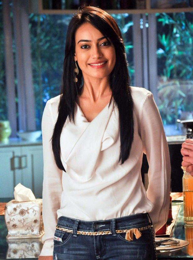 Surbhi Jyoti Height and Weight, Bra Size, Body Measurements