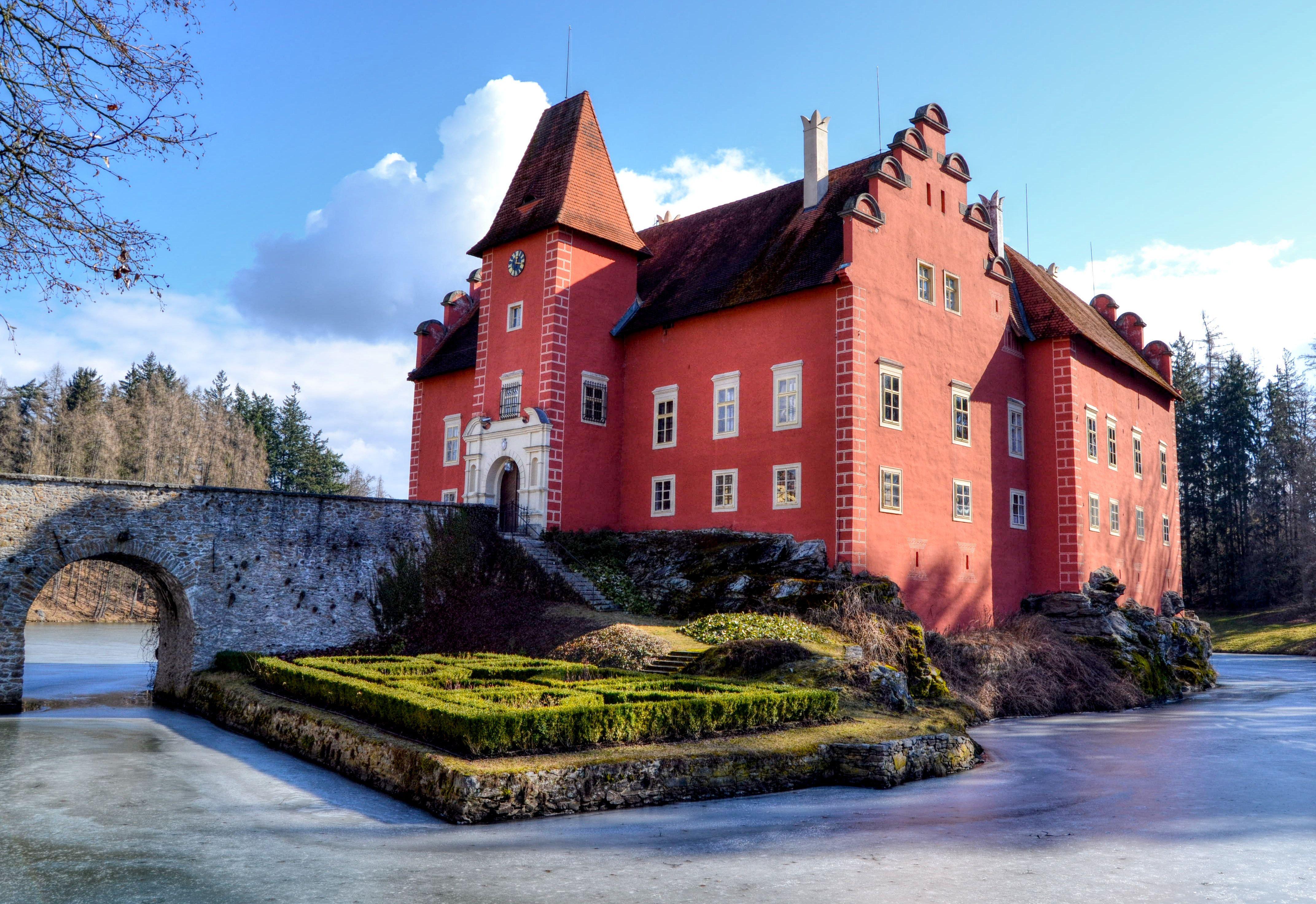 Cervena Lhota Thanks For The Pic Lucka Vrbova Cervenalhota Czech Castle Czechrepublic Czechia Castle Czech Republic