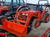 Kubota L3700SU w/ LA463 loader | Spaulding Equipment for