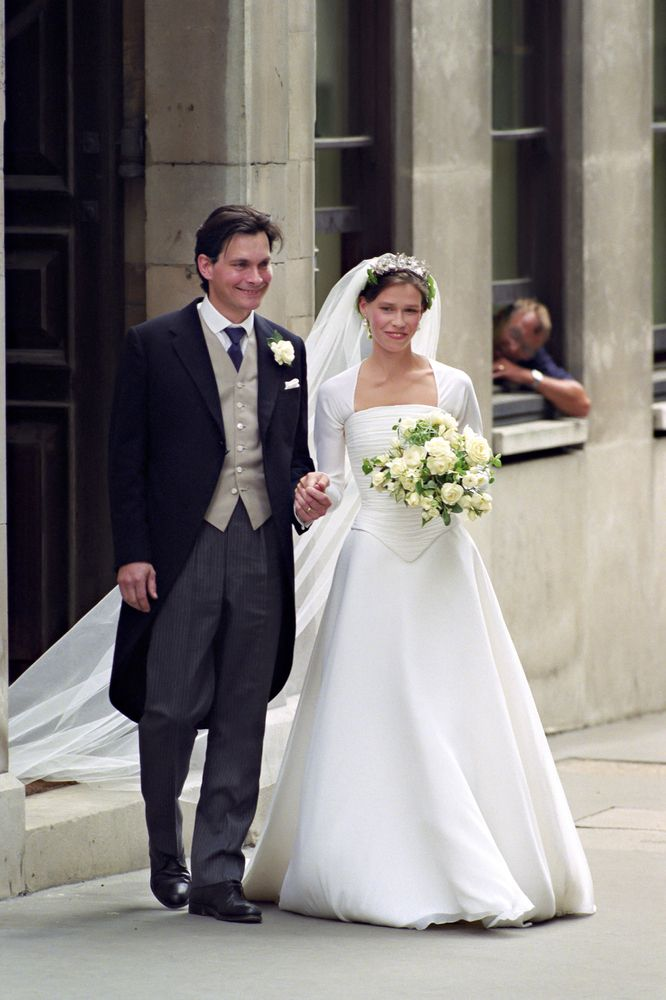 Lady sarah chatto princess margaret 39 s daughter other for Julian alexander wedding dresses