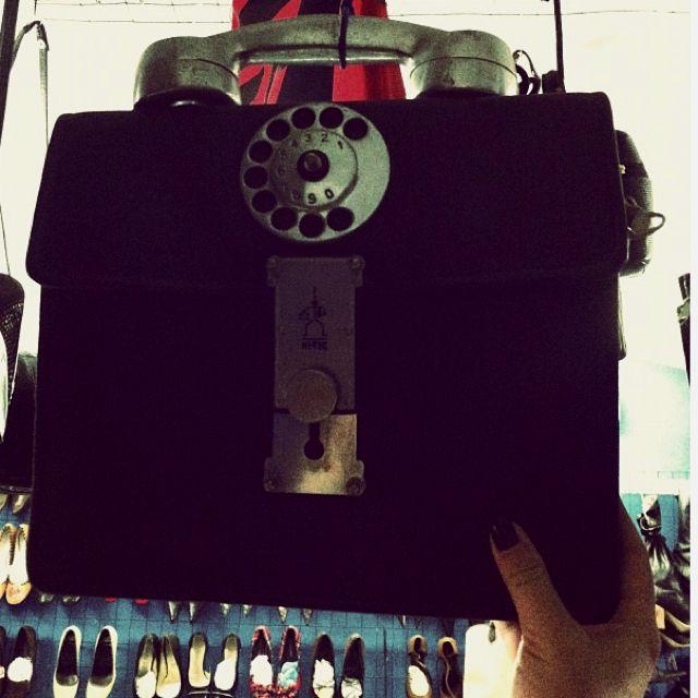Bag or phone?? Resina flea market