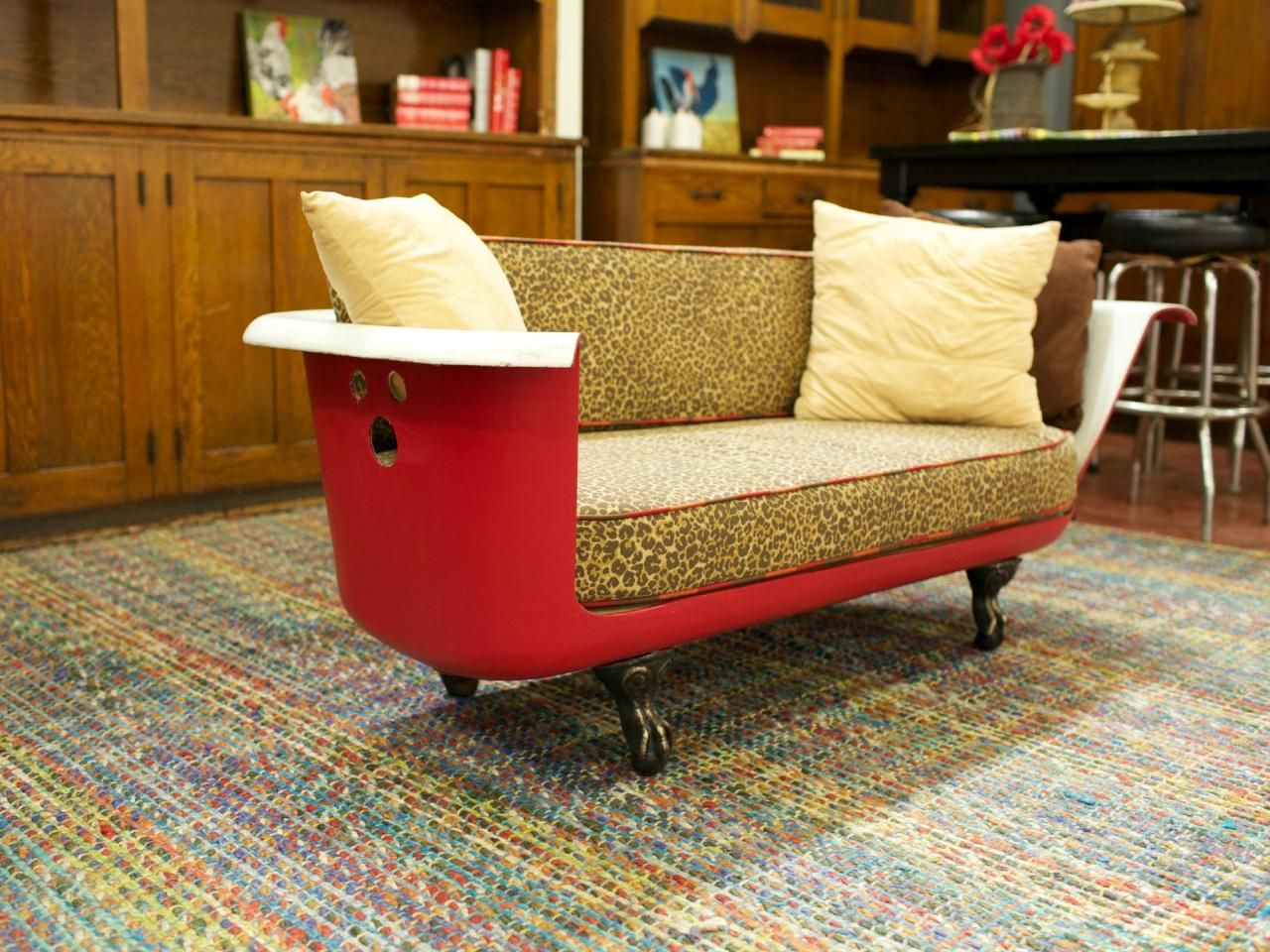 19 upcycling projects from salvage dawgs black dog for Sofa upcycling